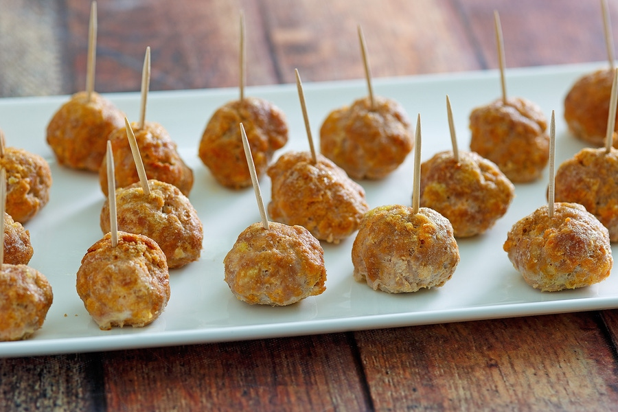 https://thepaleodiet.imgix.net/images/Blazing-Buffalo-Turkey-Meatballs_FINAL07.jpg?auto=compress%2Cformat&fit=clip&q=95&w=900