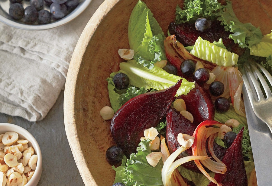 https://thepaleodiet.imgix.net/images/Blueberry-and-Roasted-Beet-Kale-Salad-horizontal.jpg?auto=compress%2Cformat&fit=clip&q=95&w=900