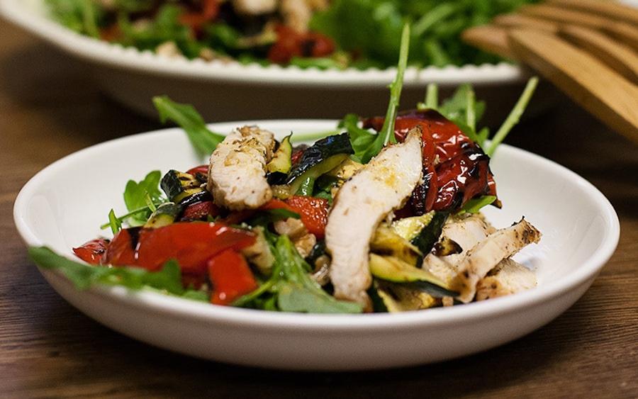 https://thepaleodiet.imgix.net/images/Chicken-Veg-Chick-Salad-Grubarazzi-2138.jpg?auto=compress%2Cformat&fit=clip&q=95&w=900