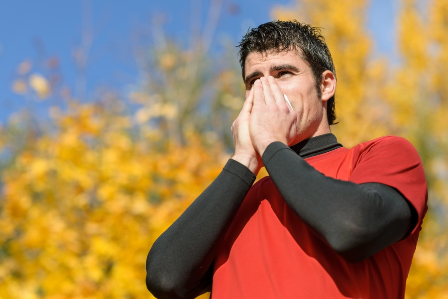 https://thepaleodiet.imgix.net/images/Coughing-Runner.jpg?auto=compress%2Cformat&fit=clip&q=95&w=900