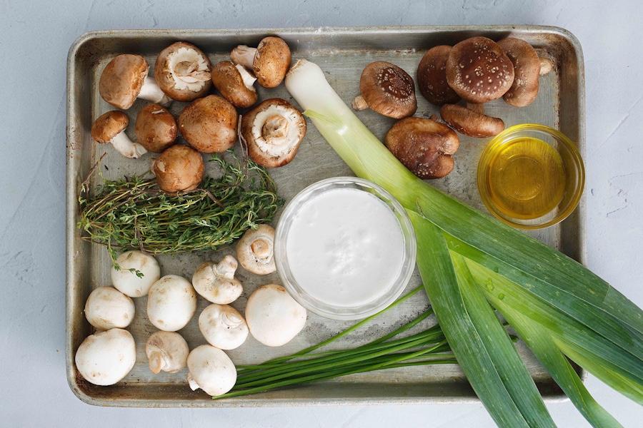 https://thepaleodiet.imgix.net/images/Cream-of-Mushroom-Soup_FINAL01.jpg?auto=compress%2Cformat&crop=focalpoint&fit=crop&fp-x=0.5&fp-y=0.5&q=95&w=900