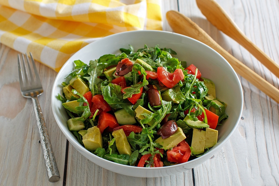 https://thepaleodiet.imgix.net/images/Cucumber-Tomato-Avocado-Salad2.jpg?auto=compress%2Cformat&fit=clip&q=95&w=900