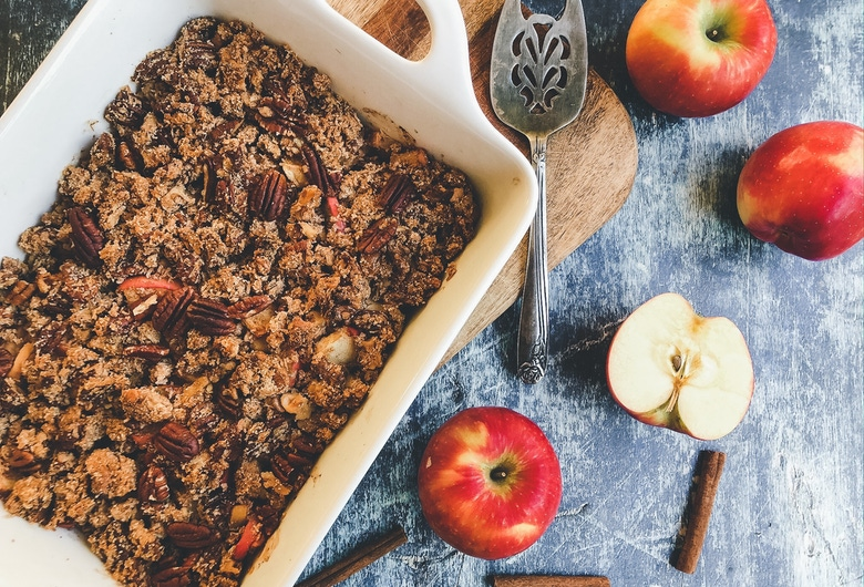 Paleo Apple Crisp Featured Image