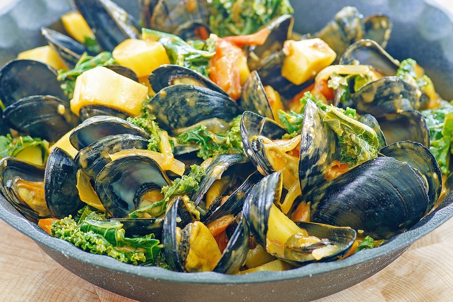 Recipe: Spicy Mussels in Tomato Sauce image