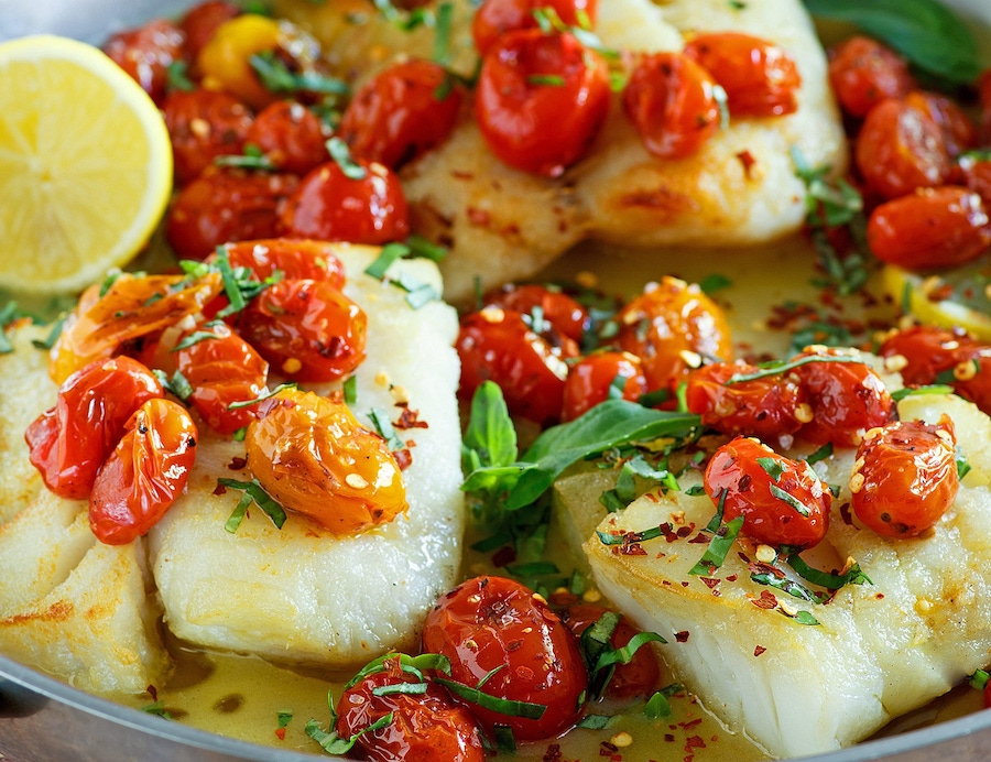 https://thepaleodiet.imgix.net/images/Pan-Seared-Cod1_200610_163703.jpg?auto=compress%2Cformat&fit=clip&q=95&w=900