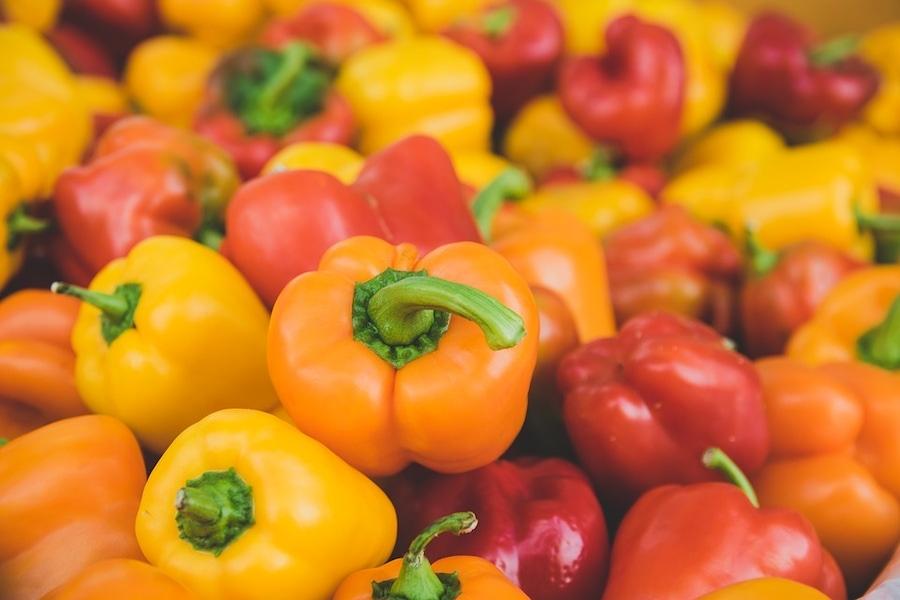 https://thepaleodiet.imgix.net/images/Peppers.jpg?auto=compress%2Cformat&crop=focalpoint&fit=crop&fp-x=0.5&fp-y=0.5&q=95&w=900