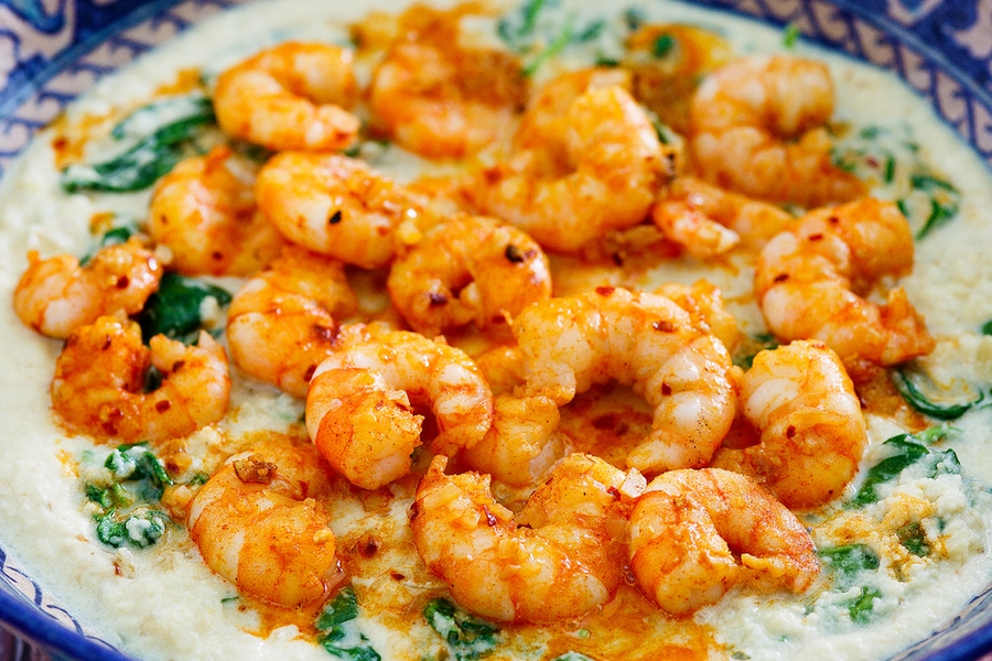 https://thepaleodiet.imgix.net/images/Spinach-Lemon-Cauliflower-Risotto-with-Garlic-Prawns-Focused.png?auto=compress%2Cformat&fit=clip&position=50.09%2050&q=95&w=900