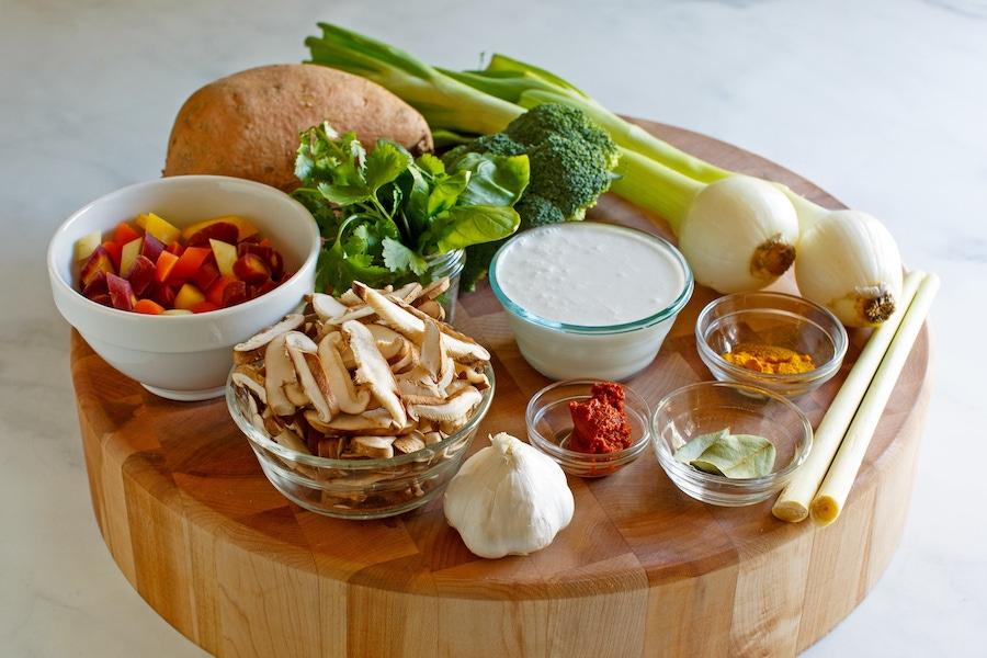 https://thepaleodiet.imgix.net/images/Vegetable-Coconut-Curry_FINAL01.jpg?auto=compress%2Cformat&crop=focalpoint&fit=crop&fp-x=0.5&fp-y=0.5&q=95&w=900