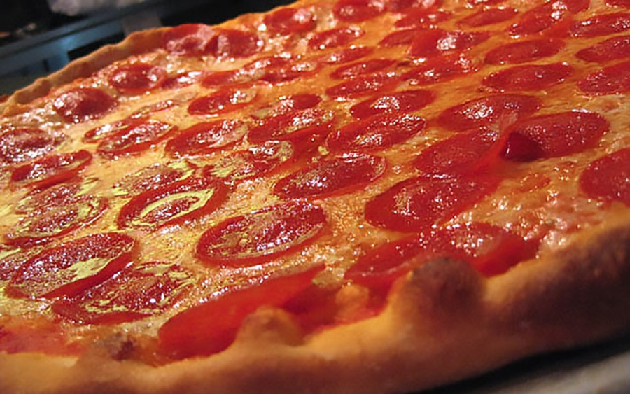 https://thepaleodiet.imgix.net/images/nutshell-jan29-pizza.jpg?auto=compress%2Cformat&fit=clip&q=95&w=900