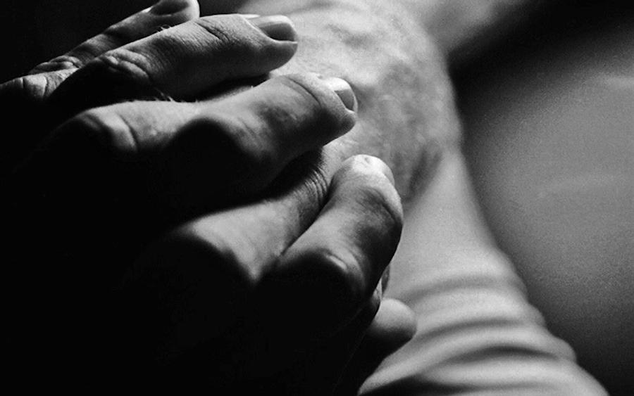 https://thepaleodiet.imgix.net/images/rheumatoid-arthritis.jpg?auto=compress%2Cformat&fit=clip&q=95&w=900